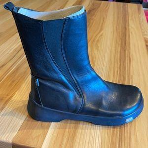 Footprints by Birkenstock BLACK leather boot 8/8.5